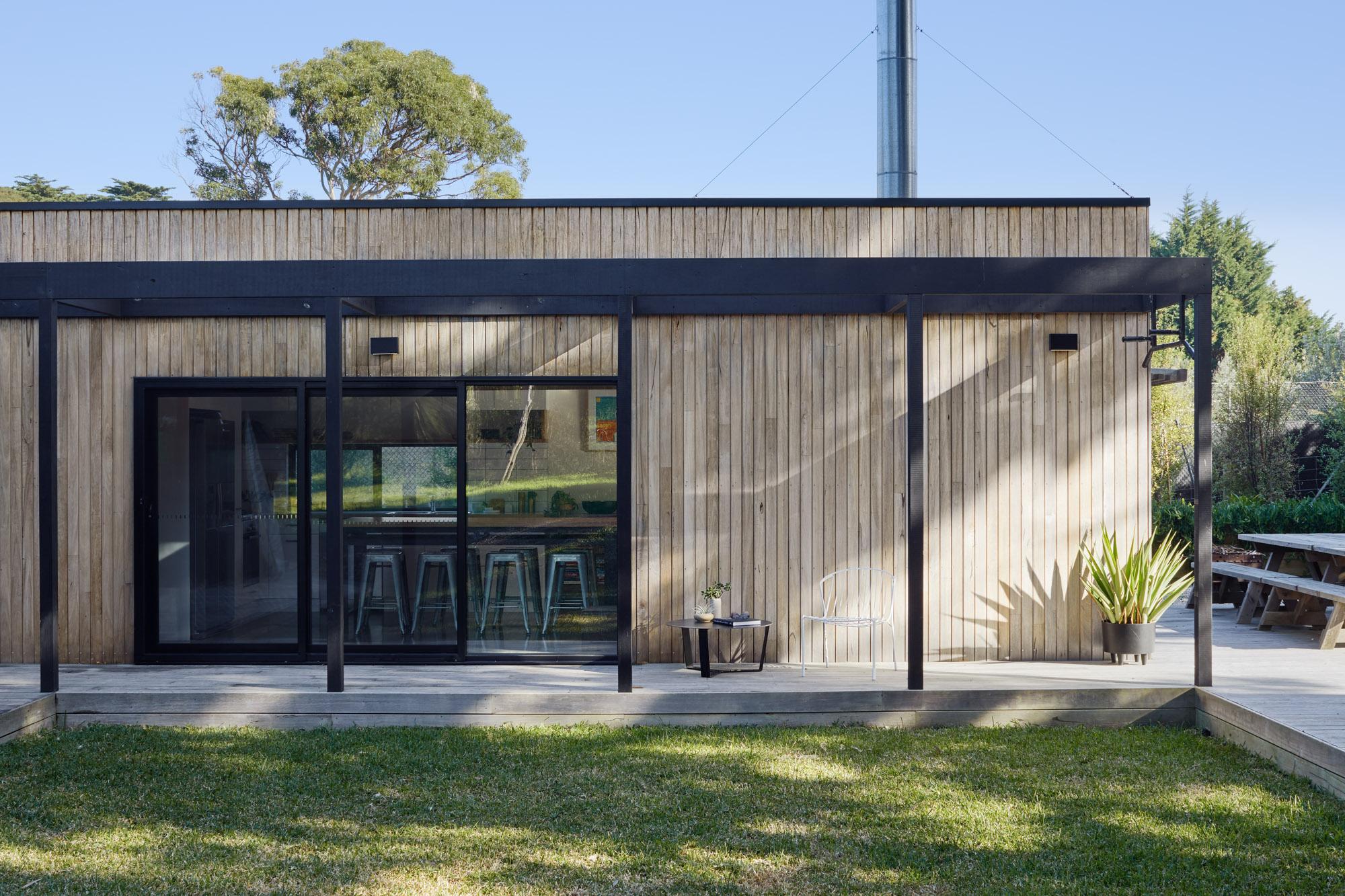 portsea house backyard