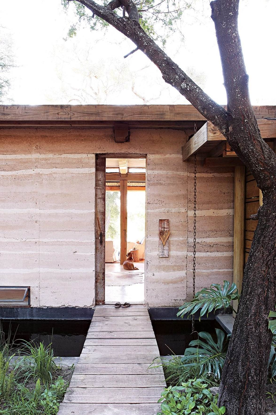 rammed earth wall example - south africa