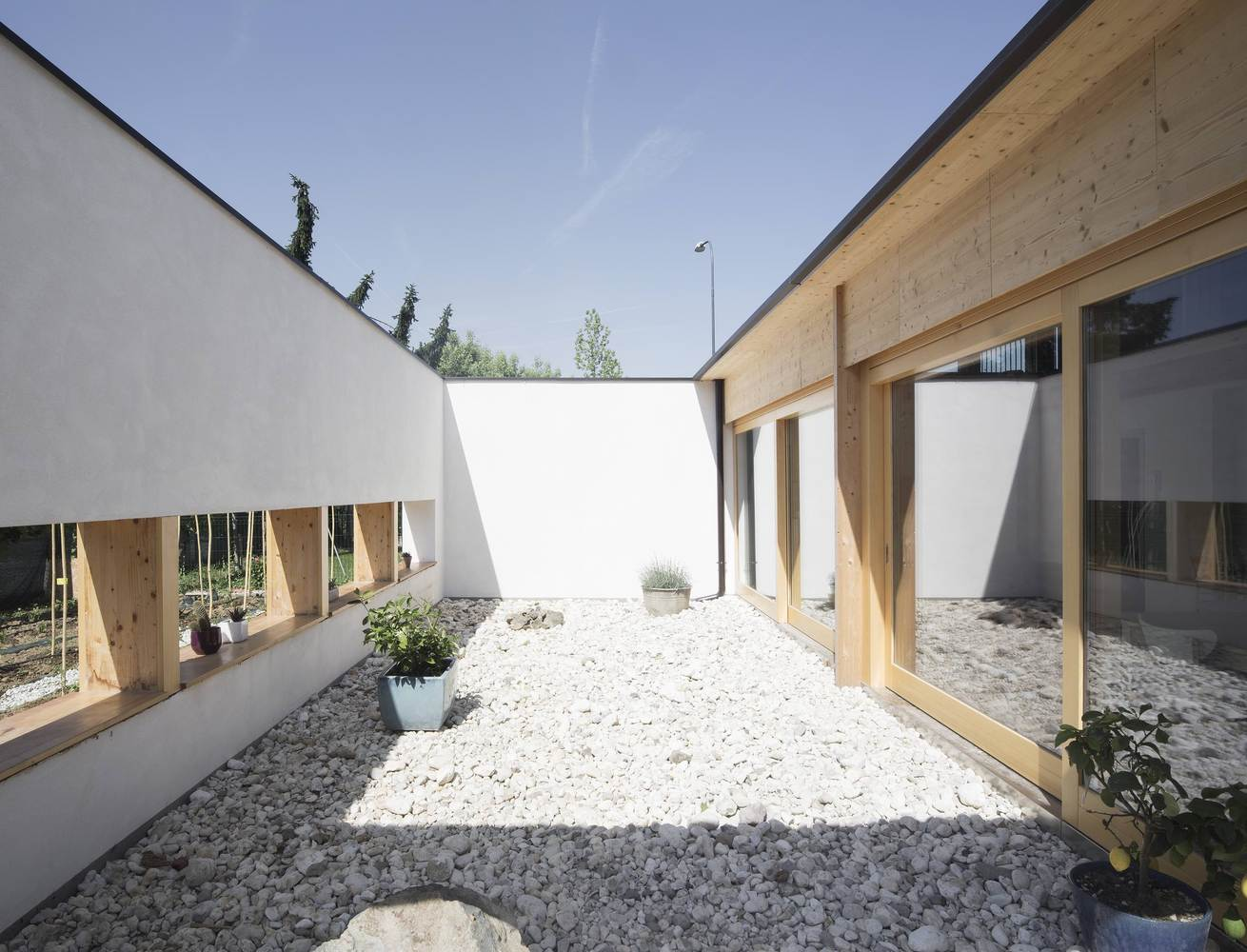 straw bale house example exterior