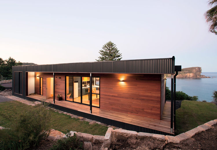 avalon beach house external view